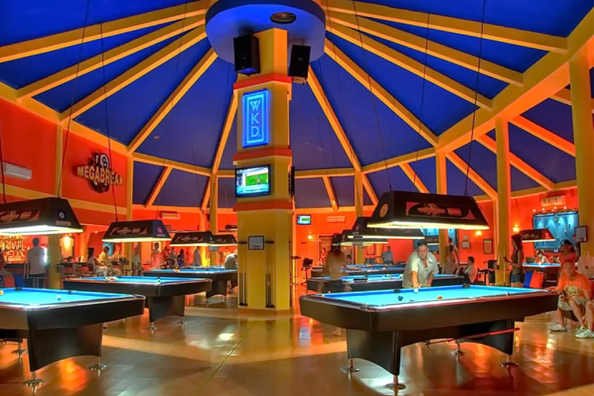 Place-to-Play-Pool-in-Pattaya